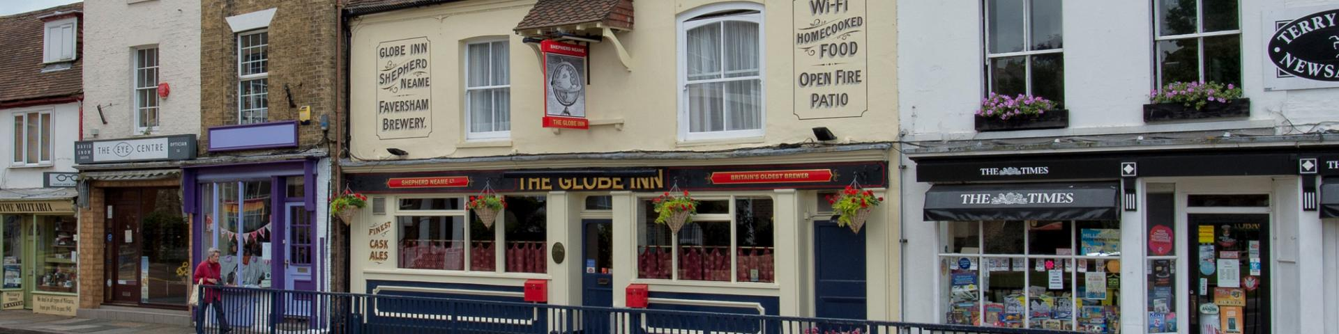 The Globe Inn Hythe Bar 1
